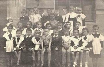 Ростов-на-Дону.1 класс.В верхнем левом - 'надутый' - это я